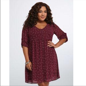 Torrid maroon sheer arrow button down dress size L